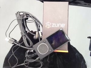 Zune player (video & radio & MP3 player) 4G