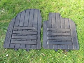Genuine Qashqai front floor mats - heavy duty rubber