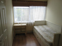 NICE SINGLE ROOM AVAILABLE IN CANNING TOWN