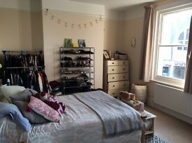 Lovely large double room in centre of Burgess Hill £600pm