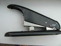 Stapler large heavy duty.