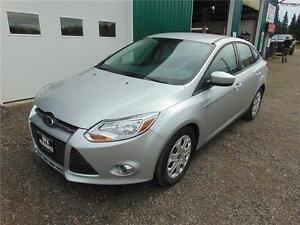 2012 FORD FOCUS SE LOW KM'S