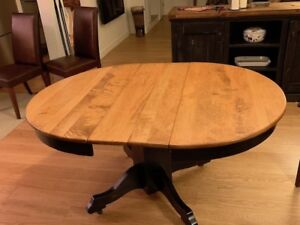 Solid Wood Dining Room Table - 4-6 people and 4 leather chairs