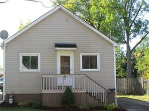 Room for Rent ( Female only) . 9min to Niagara college welland