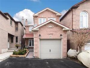 Stunning Home in Oakville!! 3 Bdrms in Clearview! Hwys & Schools