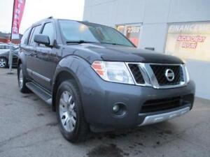 PATHFINDER LE AWD 4X4 CUIR TOIT MAGS 7 PASSAGERS GARANTIE