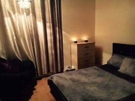 Spacious double room - Whitechapel, East London
