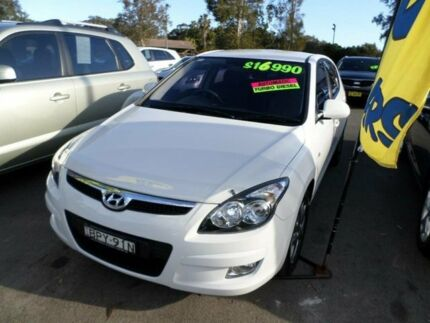 2010 Hyundai i30 FD MY11 SLX 1.6 CRDi Ceramic White 4 Speed Automatic Hatchback Port Macquarie 2444 Port Macquarie City Preview
