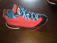 Boys 5.5 basketball shoes