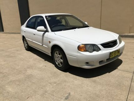 2003 Kia Spectra FB Hatchback 5dr Man 5sp 1.8i White Manual Hatchback