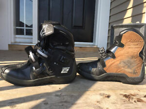 AlpineStar Tech2 Motorcycle Boots - Great protection, like new