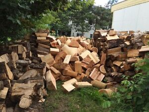 Dry split firewood