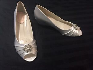 Brand New Never Worn White Satin Wedge Wedding Shoes Peterborough Peterborough Area image 5