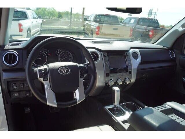 Image 9 Voiture American used Toyota Tundra 2017