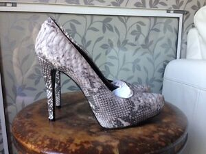 Size 40/41 women's shoes new or lightly worn