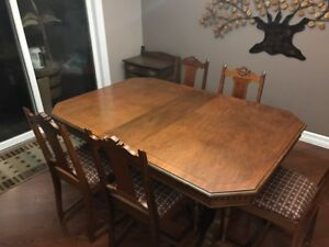 REFINISHED ANTIQUE DINING TABLE & 5 CHAIRS!!!