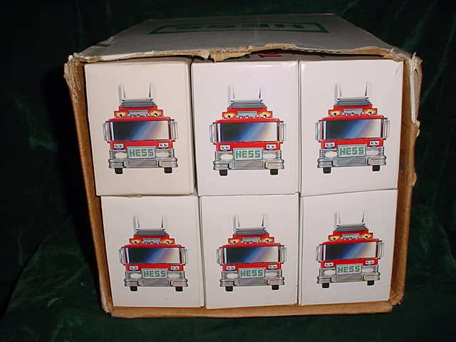 FATHERS DAY COLLECTABLE TRUCKS 1986 HESS RED FIRE TRUCK TOY BANK MIB FROM CASE