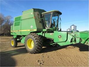 1997 John Deere 9600 Combine with 914 pick-up