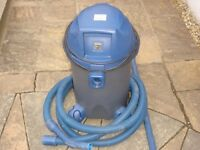 Bermuda fish pond vacuum cleaner