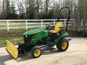 John Deere 1026R Compact Tractor (price reduced)