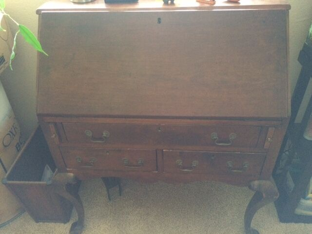 Walnut Pennsylvania Chippendale Secretary Desk