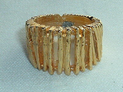 VINTAGE ELITE GOLD TONE METAL RING SIZE 7 1/4