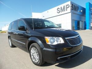 2016 Chrysler Town & Country Touring 3.6L V6 - 7 Passenger Seati