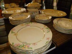 BEAUTIFUL CREAM/ GOLD ALFRED MEAKIN 8 X SETTINGS + 52 Pieces Bridgewater Adelaide Hills Preview