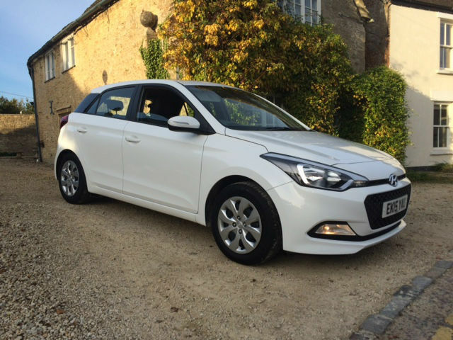 new hyundai i20 car review and gallery. Black Bedroom Furniture Sets. Home Design Ideas