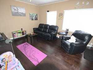 Large 2 bedroom main floor house + Den area, $500 off 1st month!