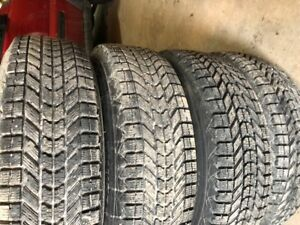 Winterforce winter tire 225/75/16 half winter used