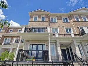 2 BDRM Condo TownHouse For Sale - 26 Bruce Street in Woodrbidge