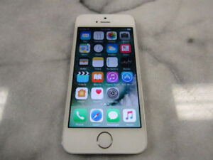 Apple iPhone 5s - 16GB - Silver (Bell/Virgin) in excellent condi