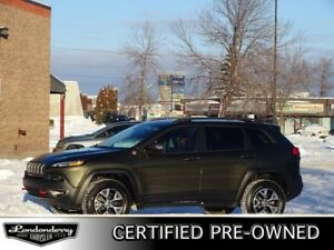 2015 Jeep Cherokee 4WD TRAILHAWK Accident Free,  Navigation (GPS