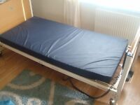 Electric Solite 4 Profiling Hospital Bed & Mattress - £140 ovno