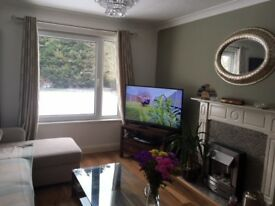 GOOD SIZE DOUBLE ROOM IN A LOVELY FLAT- All bills inclusive