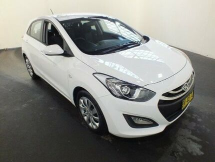 2013 Hyundai i30 GD Active White 6 Speed Automatic Hatchback Clemton Park Canterbury Area Preview