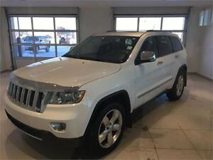 2013 Jeep Grand Cherokee Overland (4WD, Leather, Navigation)