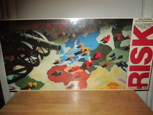 "***1980 VERY RARE SEALED ""RISK"" BOARD GAME LIKE NEW!!!***"