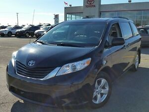 2013 Toyota Sienna LE Peterborough Peterborough Area image 1
