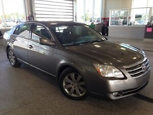 2005 Toyota Avalon Touring V6 - Loaded!