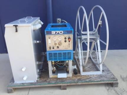Sapphire Scientific 370 carpet cleaning machine with APO