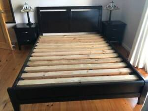 Bedroom suite queen size bed, dressing table and 2 besdide cupboards