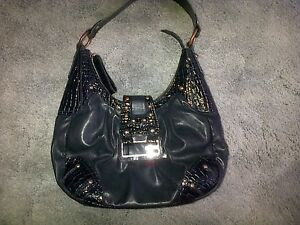 #TelusHelpMeSell - Guess Purse - Black & Great Shape!!