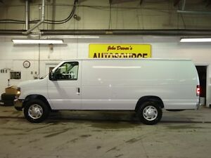 2014 Ford E-250 Extended Cargo Van Peterborough Peterborough Area image 2