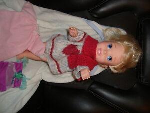 1 poupée et accessoires