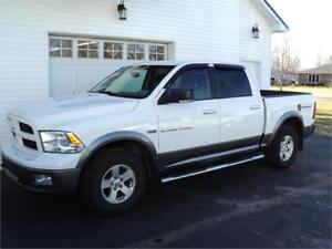 2011 Dodge  Ram 1500 4x4 FINANCING AVAILABLE!!!!