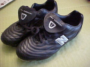 NEW  BALANCE  LEATHER  SOCCER  SHOES  SOCCER  CLEATS