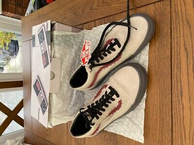 RARE Vans Nintendo Old School Trainers UK 9.5. NEVER WORN. STILL BOXED!!!