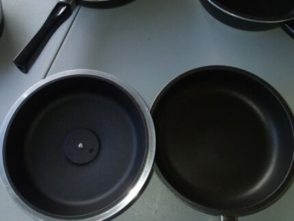 Bessemer 24cm Frypan and Lid Mount Claremont Nedlands Area Preview